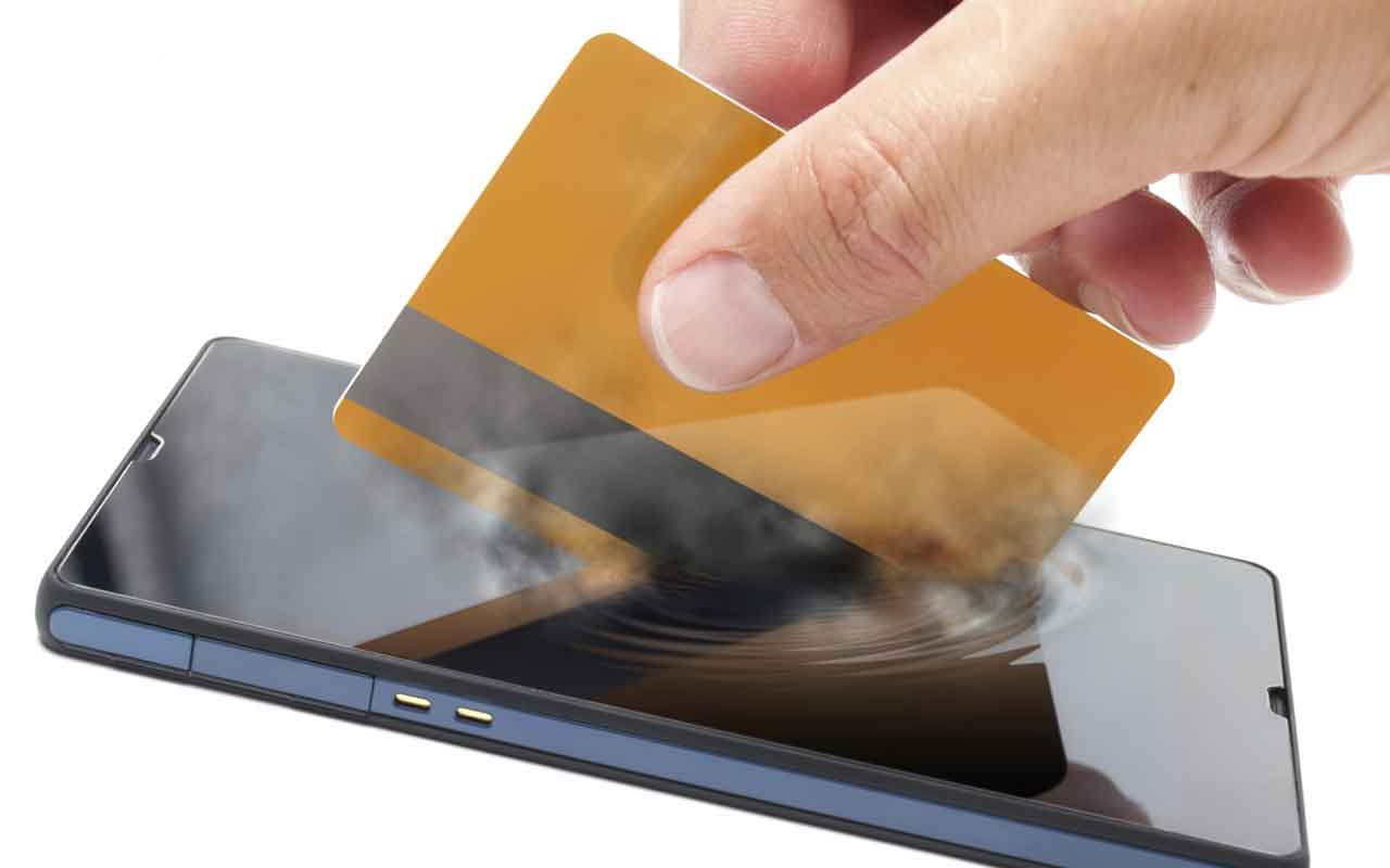 The Emergence of Mobile Wallets with Smartpay Options To Ease Digital Transactions